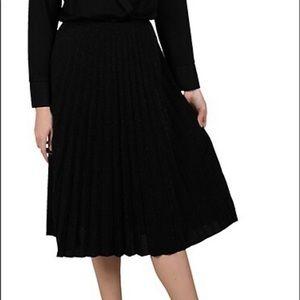 NWT Molly Bracken Pleated Skirt